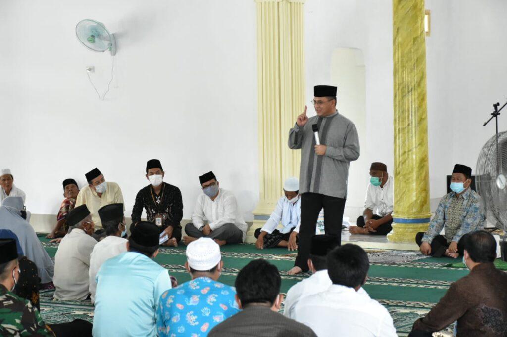 Gubernur Erzaldi Safari Jumat di Masjid Al-Musa'adah